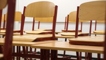 ergonomic classroom chairs