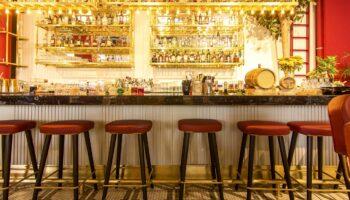 ergonomic bar stools