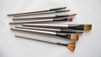 ergonomic paint brush